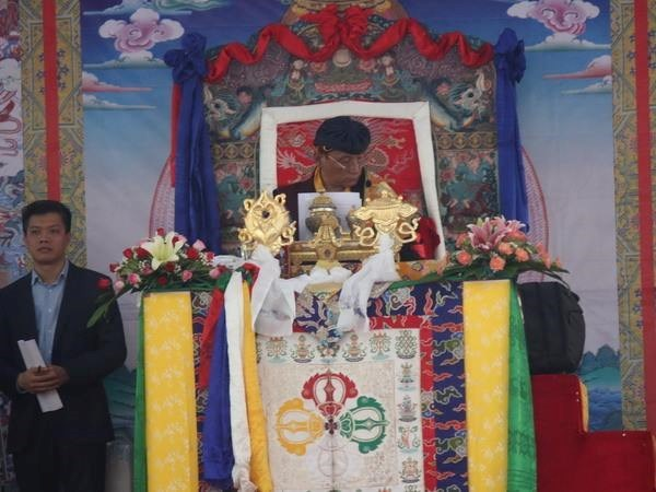 Sa Saintete Gyalwang Drukpa prie pour la paix a Tay Ninh hinh anh 1