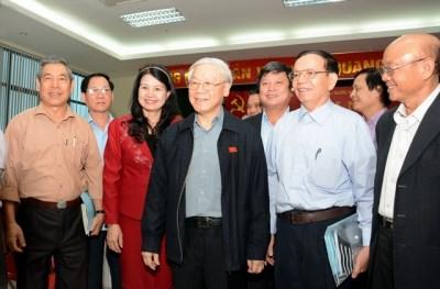 Le secretaire general Nguyen Phu Trong rencontre des electeurs de Hanoi hinh anh 1