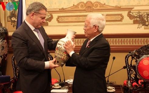 Vietnam - R. tcheque: promotion de la cooperation commerciale hinh anh 2