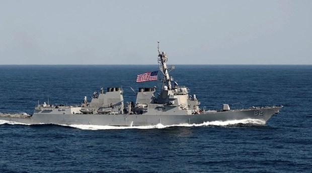 Mer Orientale : un navire americain pres des ilots construits illegalement par la Chine hinh anh 1