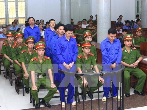 Six anciens cadres ferroviaires ecopent 52 ans de prison pour corruption hinh anh 1