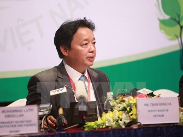 ASEAN : les ministres de l'environnement examinent de nouvelles initiatives hinh anh 1