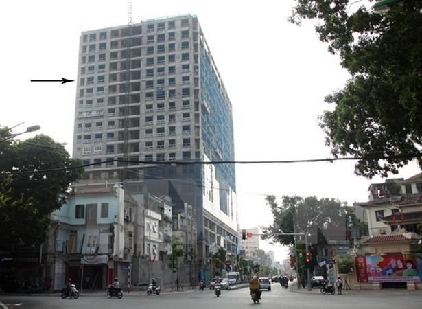 Le PM critique les violations d'un batiment au cœur de Hanoi hinh anh 1