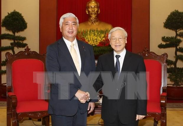 Des dirigeants recoivent le ministre japonais de la Defense hinh anh 1