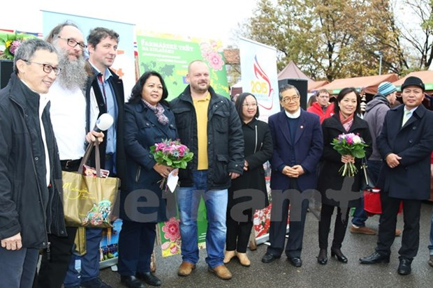 La gastronomie vietnamienne seduit les visiteurs d'une foire a Prague hinh anh 1