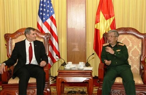 Vietnam et Etats-Unis poussent le reglement des consequences de la guerre hinh anh 1