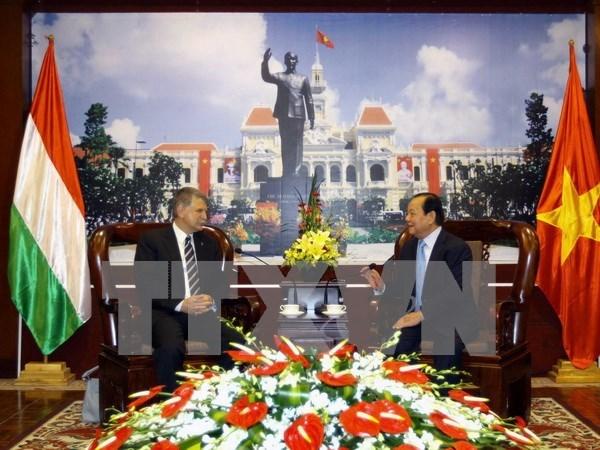 Ho Chi Minh-Ville souhaite resserrer la cooperation avec Budapest hinh anh 1