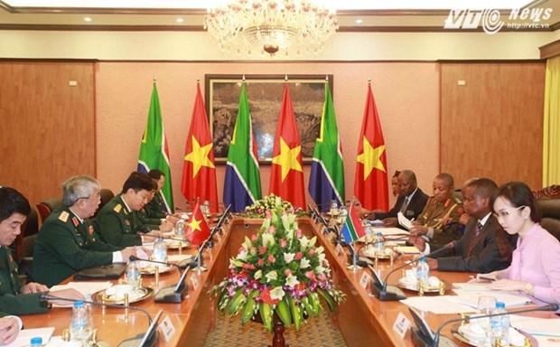 Dialogue de politique dans la defense Vietnam-Afrique du Sud de 2015 hinh anh 1