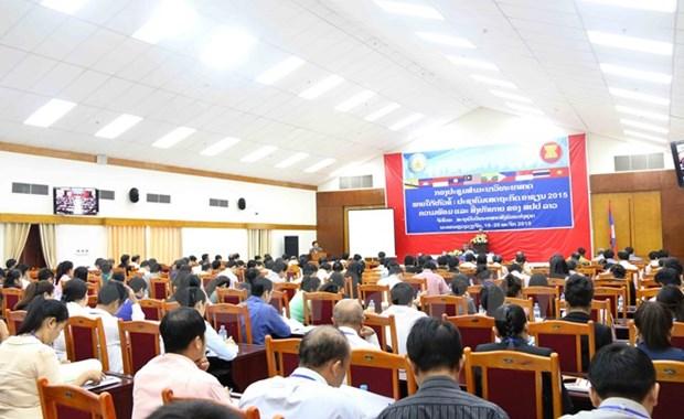 Le Vietnam partage ses experiences dans la preparation de l'AEC au Laos hinh anh 1