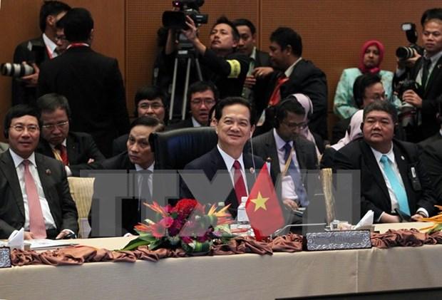 Le PM aux sommets de l'ASEAN et de ses partenaires hinh anh 2