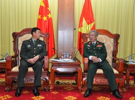 Le general Nguyen Chi Vinh recoit une delegation militaire chinoise hinh anh 1