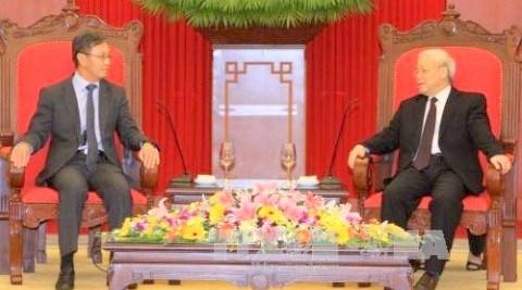 Nguyen Phu Trong recoit le nouvel ambassadeur du Laos au Vietnam hinh anh 1