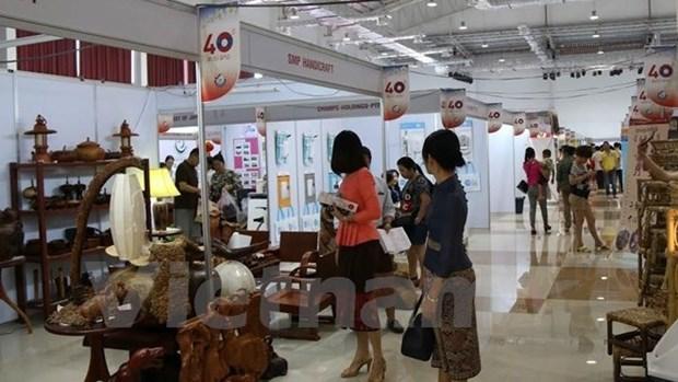 Le Vietnam a la Foire Vientiane Expo 2015 hinh anh 1