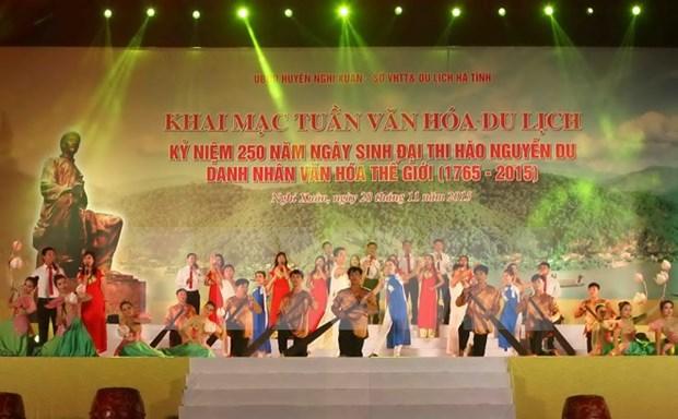 Ouverture de la Semaine culturelle et touristique de Nguyen Du a Ha Tinh hinh anh 1