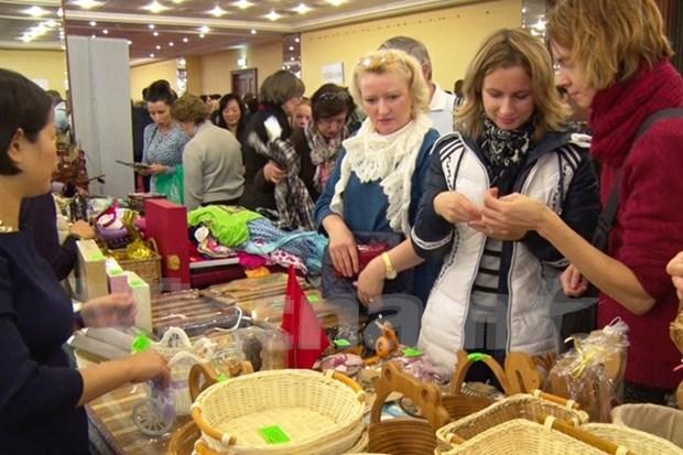 Le Vietnam participe a la Foire caritative d'hiver Bazaar en Russie hinh anh 1