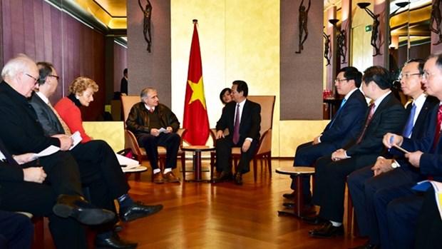 Le PM Nguyen Tan Dung rencontre le secretaire general de l'Association d'amitie France-Vietnam hinh anh 1