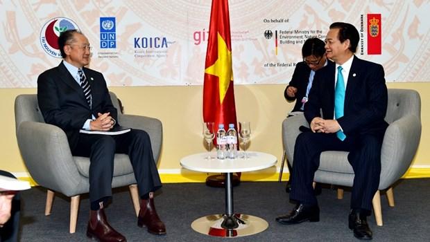 Le Vietnam souhaite promouvoir ses relations avec les pays du monde hinh anh 2