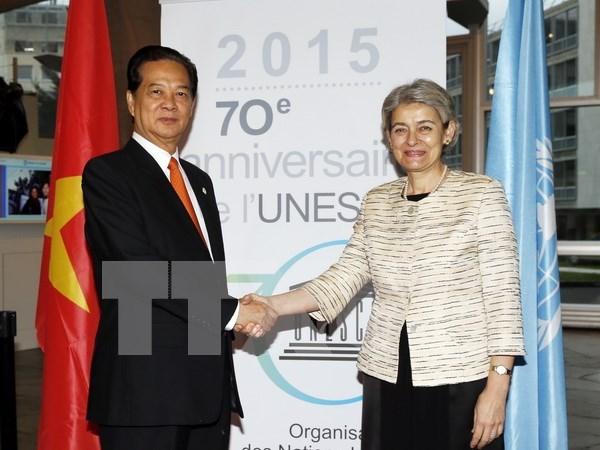 Le PM Nguyen Tan Dung rencontre la directrice generale de l'UNESCO hinh anh 1