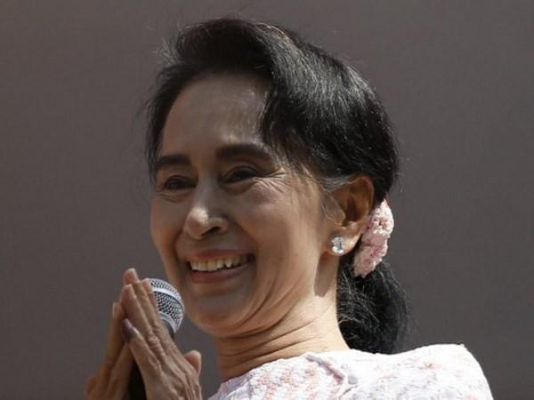 Myanmar : Aung San Suu Kyi rencontre le president pour amorcer une
