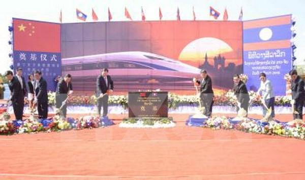 Mise en chantier de la ligne ferroviaire Laos-Chine a Vientiane hinh anh 1