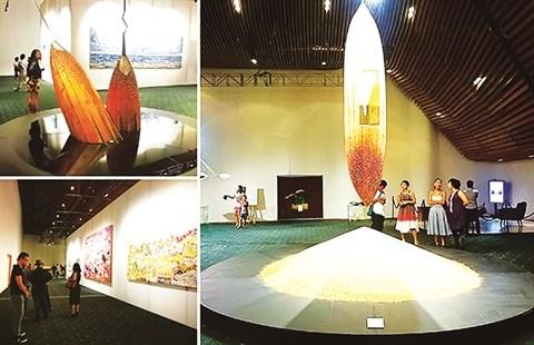 Filters, l'exposition d'art la plus chere du Vietnam hinh anh 2