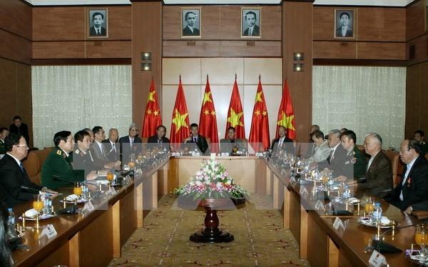 Le ministre vietnamien de la Defense recoit des veterans chinois hinh anh 1
