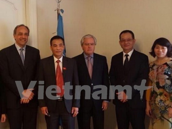 Renforcement de la cooperation parlementaire avec l'Argentine et le Chili hinh anh 1