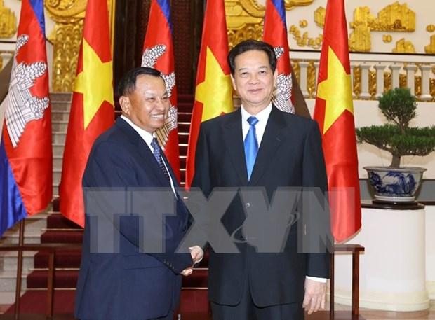 Le president du Senat cambodgien recu par des dirigeants vietnamiens hinh anh 3