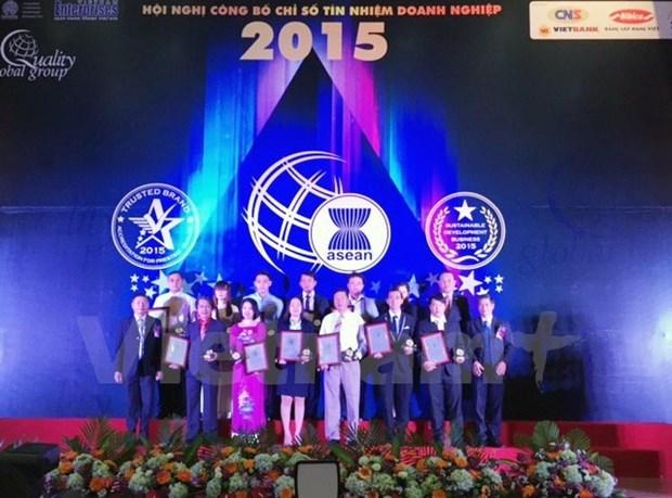 Pres de 200 entreprises vietnamiennes recoivent des certificat d'Indices fiables de marque hinh anh 1