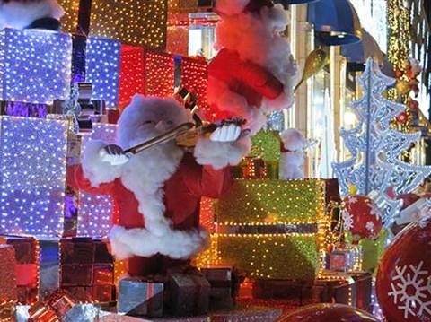 Programmes festifs pour Noel a Hanoi hinh anh 1