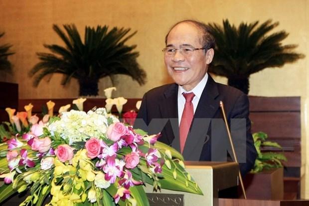 Le president Nguyen Sinh Hung part pour la Chine hinh anh 1