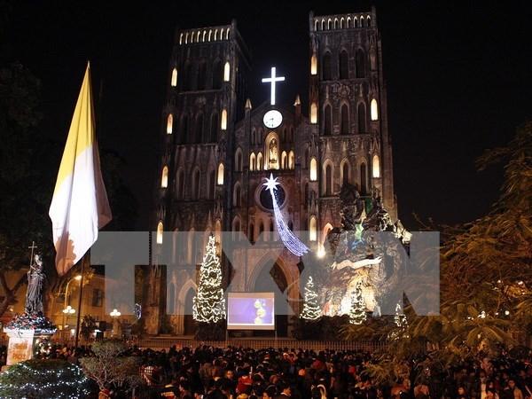 Hanoi et HCM-Ville celebrent Noel dans la liesse hinh anh 1