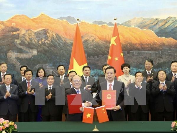 Accord de cooperation entre les organes legislatifs Vietnam-Chine hinh anh 1