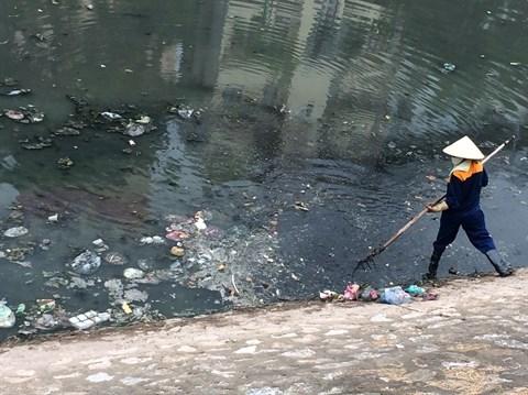 Les lacs de Hanoi menaces par la pollution et l'urbanisation galopante hinh anh 1