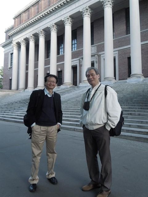 Un Professeur vietnamien a Harvard hinh anh 1