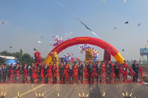 Inauguration de l'autoroure Hanoi-Bac Giang hinh anh 1