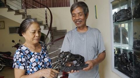 La sculpture sur charbon tout feu tout femme a Ha Long hinh anh 2