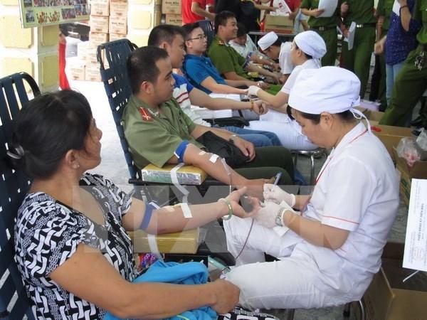 HCM-Ville : des milliers de personnes donnent de sang lors du