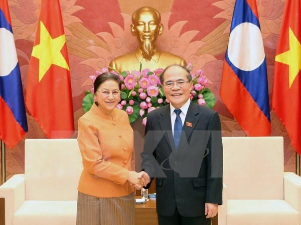 Nguyen Sinh Hung recoit ses homologues laotien et cambodgien hinh anh 1