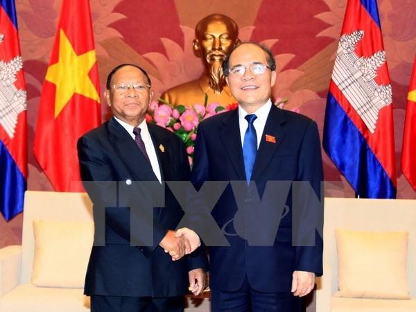Nguyen Sinh Hung recoit ses homologues laotien et cambodgien hinh anh 2