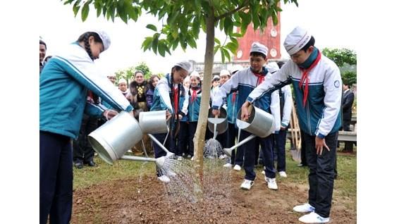 Lancement de la Fete de la plantation d'arbres du Printemps Binh Than 2016 hinh anh 1
