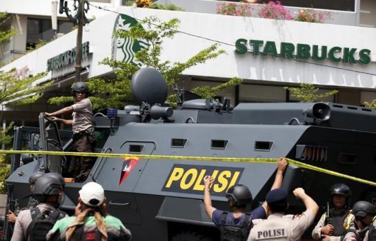 Indonesie : au moins sept morts dans des attaques terroristes a Jakarta hinh anh 1