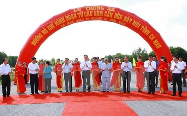Le PM donne le coup d'envoi de plusieurs projets d'infrastructure hinh anh 2