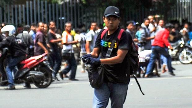 Douze arrestations, les assaillants identifies suite aux attentats de Jakarta hinh anh 2