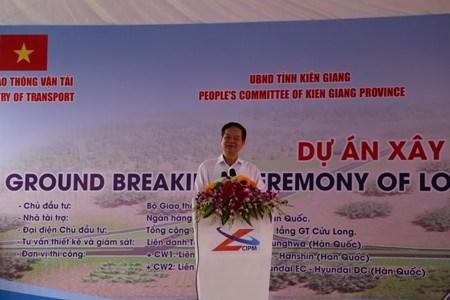 Le PM donne le coup d'envoi de plusieurs projets d'infrastructure hinh anh 1