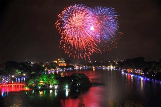 A Hanoi, le reveillon du Nouvel An lunaire sera illumine par des feux d'artifice hinh anh 1
