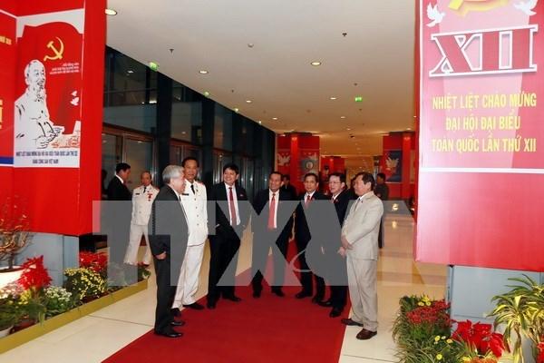 Le 12e Congres du PCV adopte la liste electorale hinh anh 1