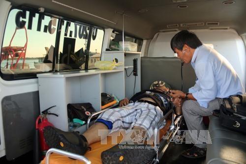 Ba Ria-Vung Tau : un marin etranger malade transporte vers le continent hinh anh 1