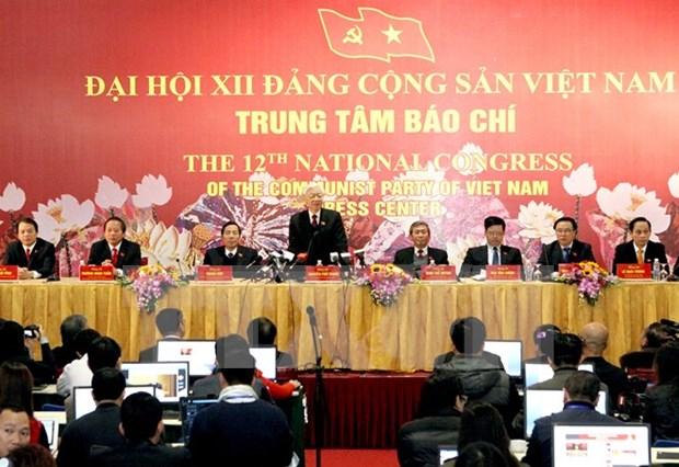 La presse contribue au succes du 12e Congres national du PCV hinh anh 1