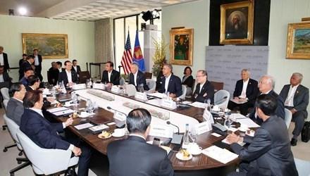 L'ASEAN et les Etats-Unis discutent de la paix et de la securite en Asie-Pacifique hinh anh 1
